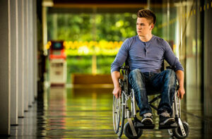 injured man who needs workers' compensation benefits